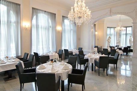 Platinum Palace Hotel*****
