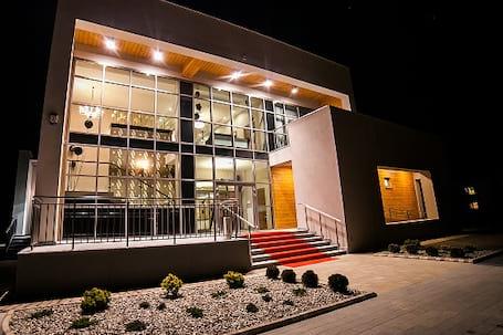 Firma na wesele: Rezydencja AURA NOVA