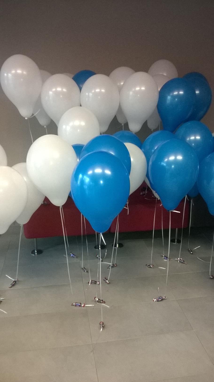balony helowe z cukierkami