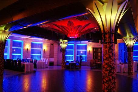 Firma na wesele: Dekoracja sal światłem