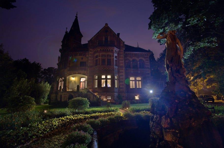 Pałac Żeleńskich nocą