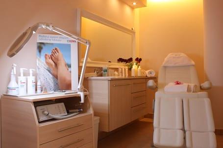 Firma na wesele: Cosmetic Derm -Instytut Kosmetologii