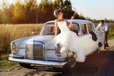 Firma na wesele: mercedesem do ślubu