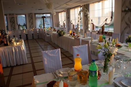 Firma na wesele: Restauracja Symfonia Smaków***