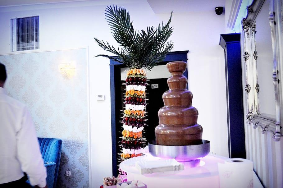 Palma owocowa fontanna czekoladowa