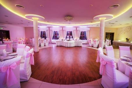Firma na wesele: Biała Akacja Resort & Business