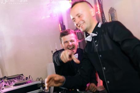 DJ ANDREW - DJ NA TWOJĄ IMPREZĘ!