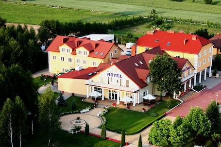 Firma na wesele: Hotel Chabrowy Dworek