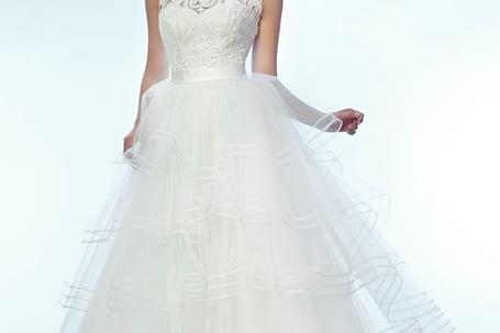 Firma na wesele: Salon Sukien Ślubnych ,,LAYLA,,