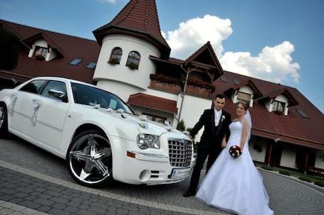 Firma na wesele: Chrysler 300c bialy i czarny