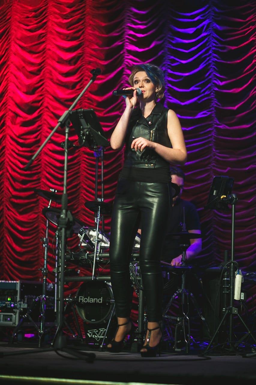 Anetka - wokalistka
