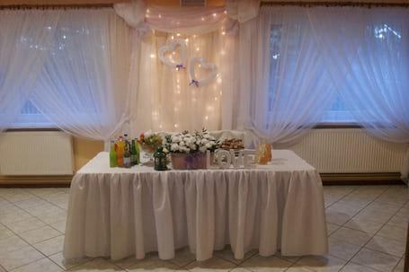 Firma na wesele: Restauracja Dębicka