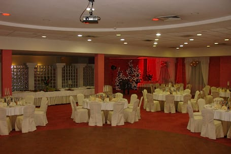 Firma na wesele: Hotel Młyn