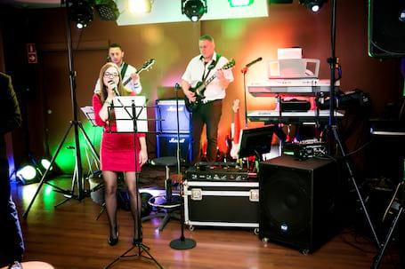 Firma na wesele: Zespół Muzyczny LIVE