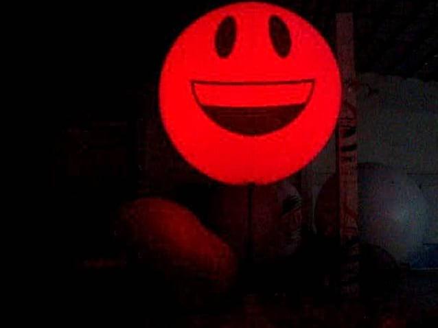 Duży balon reklamowy zmieniający kolor oświetlenia Balomania