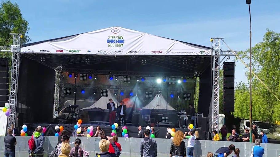Wypuszczenie 300 Balonów z helem z siatki oraz bukietów - Wałbrzych 16.05.2015r.