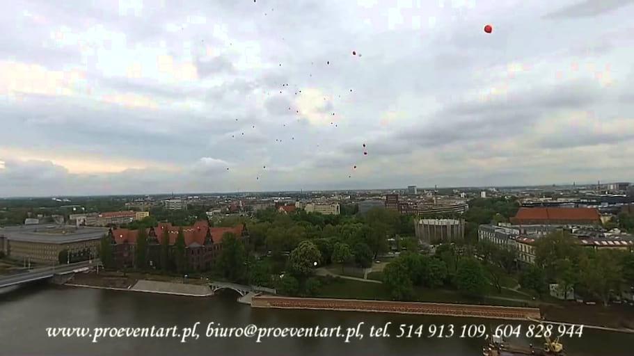 Balomania Wypuszczenie 70 Balonów z Helem Ostrów Tumski Wrocław - Widok z Drona !