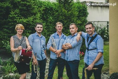 Firma na wesele: INTRO - Zespół Muzyczny