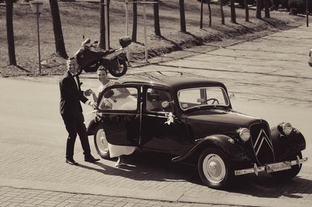 Firma na wesele: Piękny zabytkowy Citroen z 1937 r.