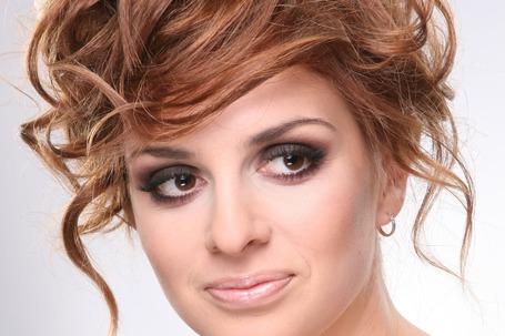 Firma na wesele: Makijaże i fryzury ślubne z dojazdem