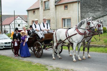 Firma na wesele: Bryczką Do Ślubu