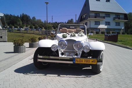 Alfa Romeo do ślubu retro cabrio