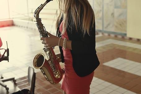 Firma na wesele: Saksofonistka na ślub.