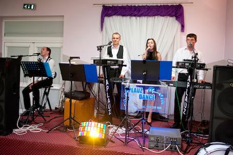 Firma na wesele: Zespół  APLAUZ DANCE