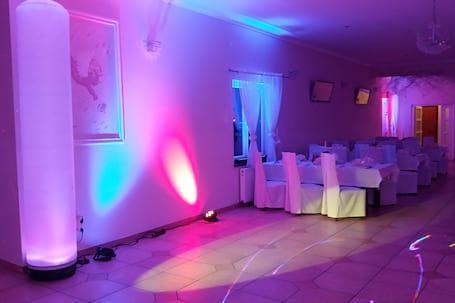 Firma na wesele: Studio Prestiz
