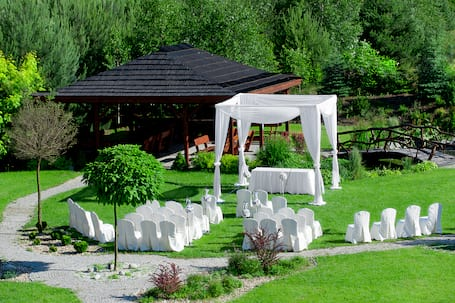 Firma na wesele: Hotel Okrąglak