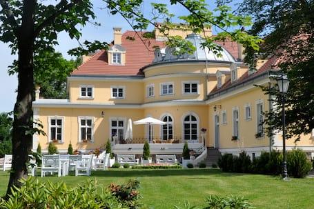 Firma na wesele: Pałac Podonowskich w Bugaju