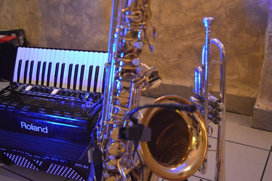 3 instrumenty na żywo - akordeon trąbka i saksofon