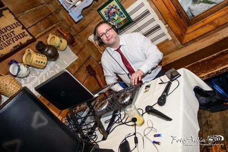 Firma na wesele: DJ Romek, gitara