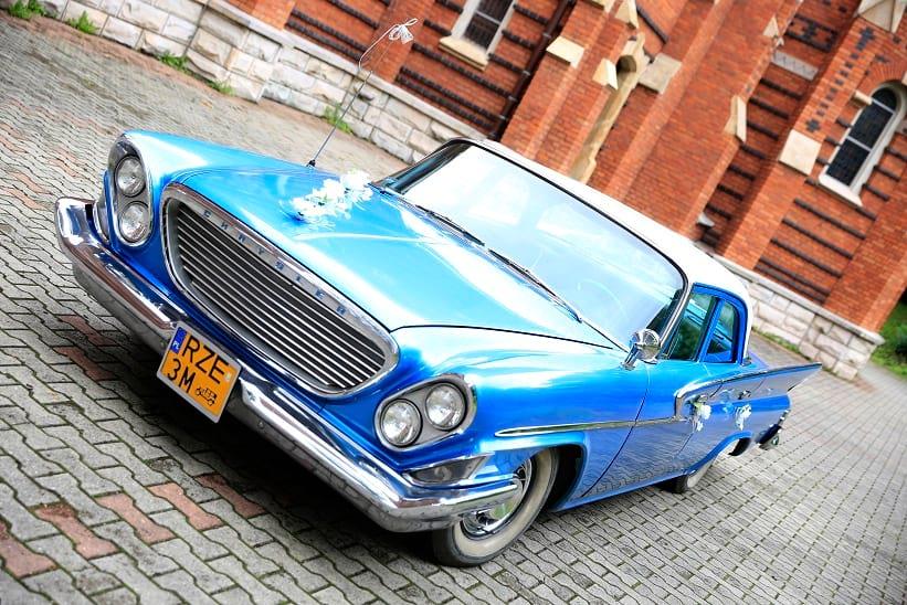 Chrysler Newport 1961 r. Błękitny Skrzydlak.