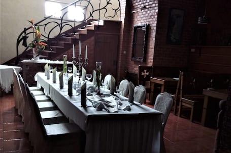 Firma na wesele: Everest Hotel & Restauracja