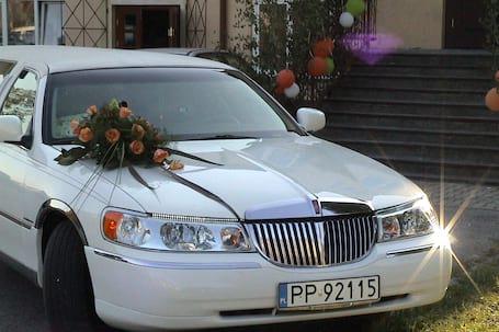 Firma na wesele: Limuzyna do slubu.