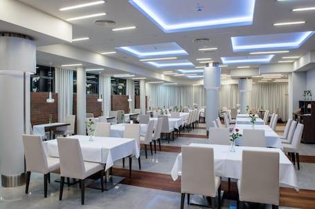 Firma na wesele: HOTEL KOSMA