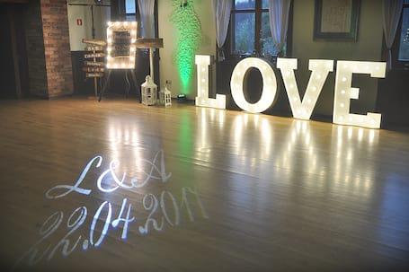 Firma na wesele: LOVE wypożyczenie wesele ślub event