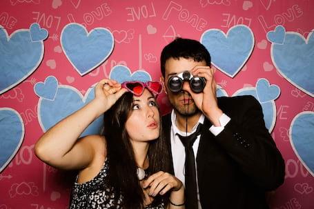 Firma na wesele: FOTOBUDKA Z KABINĄ LED HIT LOVE