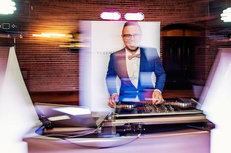 Firma na wesele: DJ&Wodzirej Przemek Grześkowiak