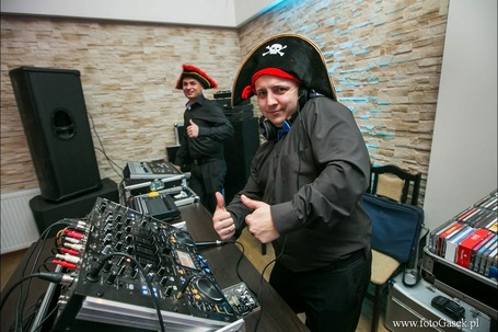 Firma na wesele: DJ RONY Dmx Studio i jest zabawa