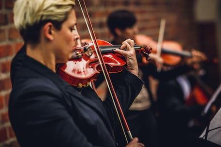 Firma na wesele: Oprawa muzyczna ślubów