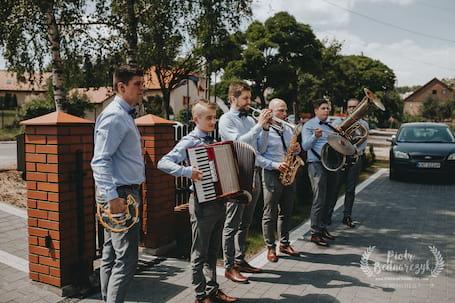 Firma na wesele: Zespół muzyczny Pięć i Pół