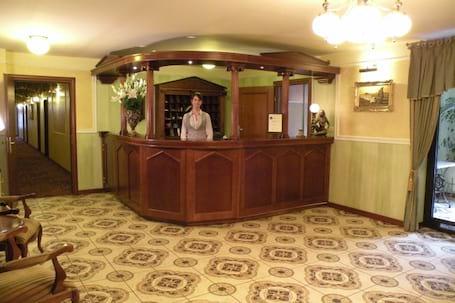 Firma na wesele: Hotel AKROPOL***