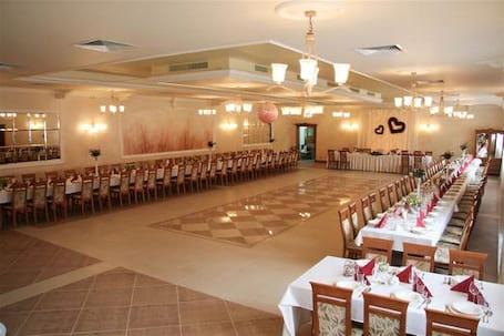 Firma na wesele: Dom Weselny 'Pod Modrzewiem'