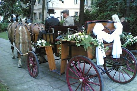 Firma na wesele: Karczma Stara Stajnia